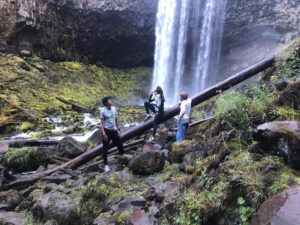 Mt-Hood-Waterfall-Portland-Dutchies